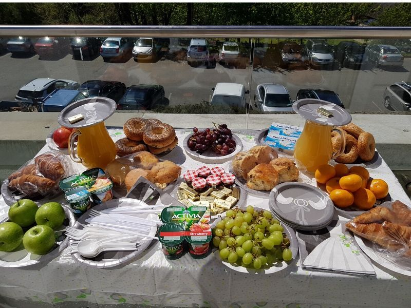 wedding morning breakfast for bride
